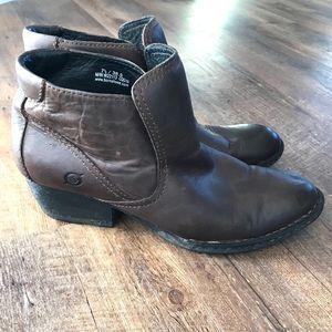 BOC Born Rachelle Brown Leather Booties sz 7.5